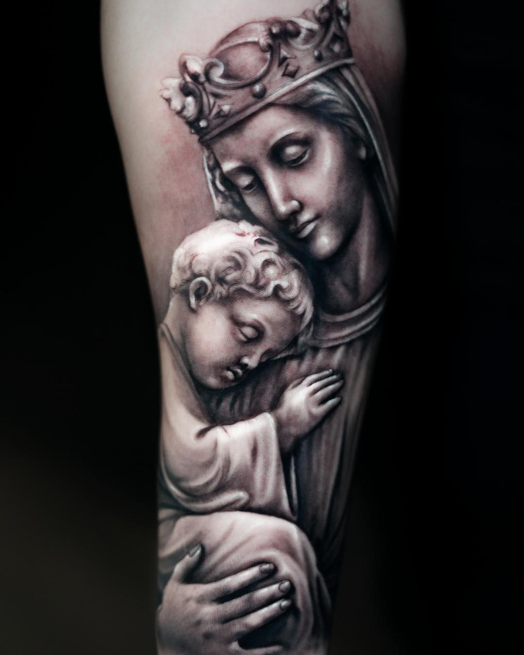 Tattoo tatuaje Alexis Epalza Virgen religion virgin jesus realistic black and grey